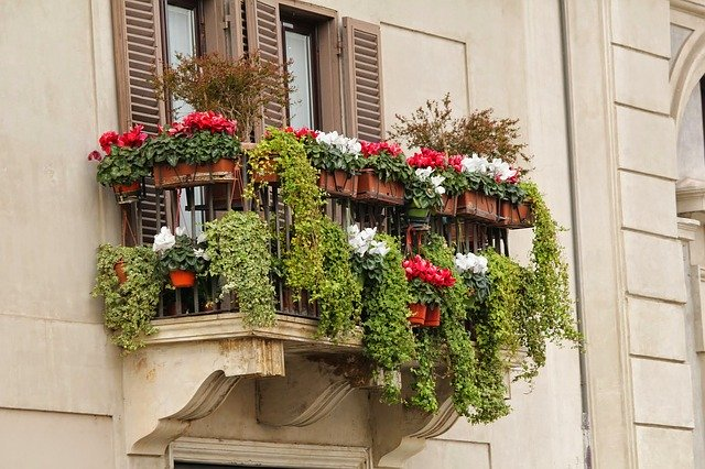 5 Best Balcony Decoration Ideas for your House